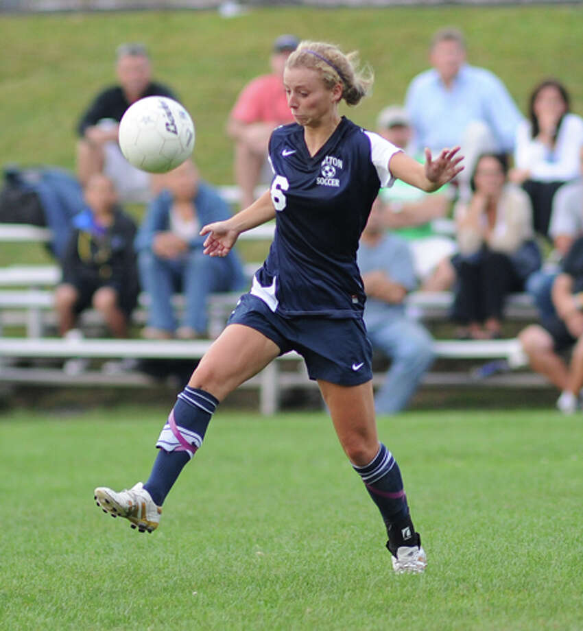 Colleen Deardoff brings a High Point to the Wilton girls soccer team