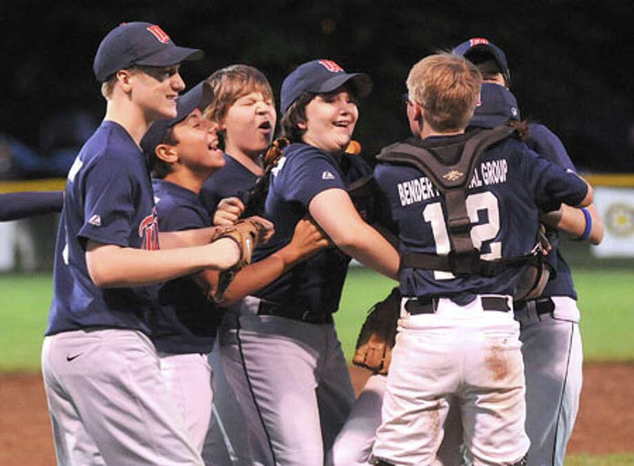 Twins top Rangers to win Wilton Little League championship