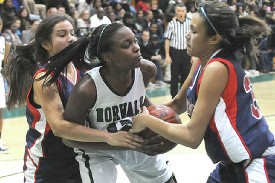 Emma Oyomba is back ... and the rest of the FCIAC should be worried