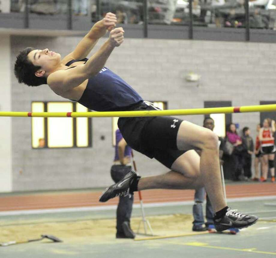 Ward wins FCIAC long jump title