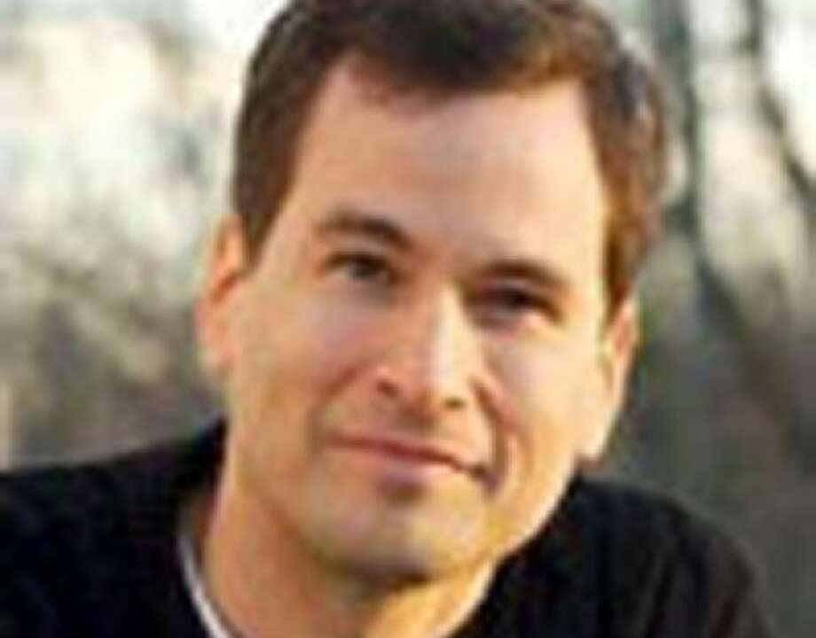 New York Times columnist David Pogue accused of hitting wife with iPhone