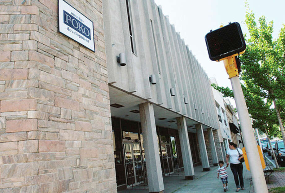 Hour photo / Erik Trautmann Norwalk Redevelopment Commission and the Common CouncilÕs Planning Committee gave POKO Partners LLC a six-month extension to break ground on Wall Street Place Thursday night. / (C)2011, The Hour Newspapers, all rights reserved