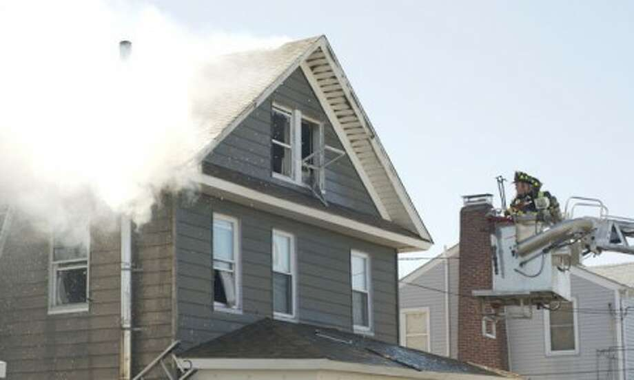 Norwalk fire extinguishes blaze quickly, five apartments left unfit for occupancy