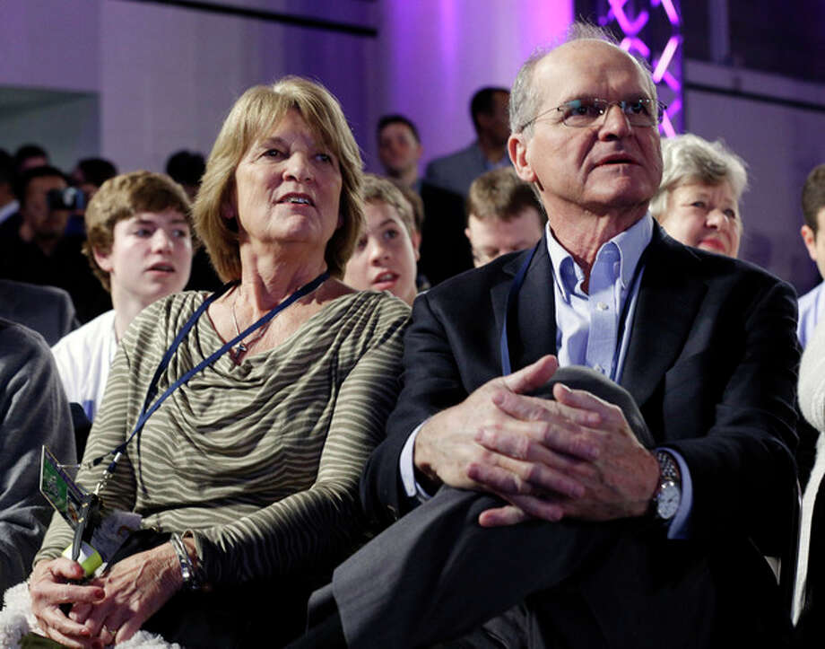 Jack and Jackie Harbaugh, parents of San Francisco 49ers head coach Jim Harbaugh and Baltimore Ravens head coach John Harbaugh watch a news conference for the NFL Super Bowl XLVII football game Friday, Feb. 1, 2013, in New Orleans. (AP Photo/Patrick Semansky) / AP