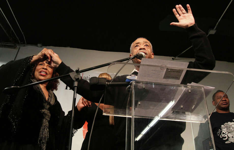"Singer Roberta Flack, left, Rev. Al Sharpton, center, Tyrone Proctor, right, and others take part in a tribute to ""Soul Train"" creator Don Cornelius at Sharpton's National Action Network in New York, Saturday, Feb. . 4, 2012. Proctor was a ""Soul Train"" dancer. Cornelius died this week at his Los Angeles home of a self-inflicted gunshot wound. He was 75. (AP Photo/Tina Fineberg) / FR73987 AP"