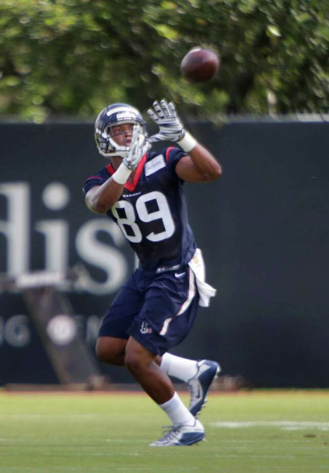 Texans tight end Stephen Anderson catches a pass during mini camp at the Texans practice facility at NRG Stadium, Tuesday, June 14, 2016, in Houston. Photo: Houston Chronicle / © 2016 Houston Chronicle