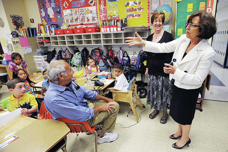 Norwalk Superintendent of Schools Susan Marks visits classrooms at Marvin Elementary School with principal Myrna Tortorello during the first day of school Wednesday. Hour photo / Erik Trautmann / (C)2010 The Hour