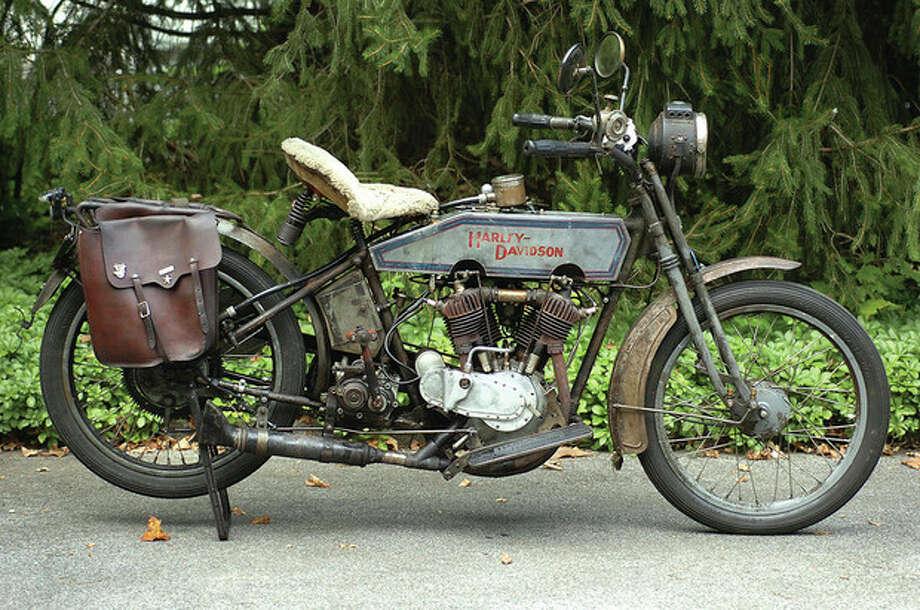 Hour Photo/ Alex von Kleydorff. Buzz Kanter's 1915 Harley Davidson Twin / 2011 The Hour Newspapers/ Alex von Kleydorff