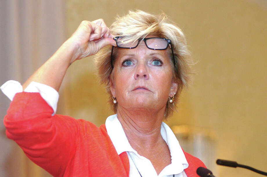 Actress Meredith Baxter speaks about abusive relationship at crisis
