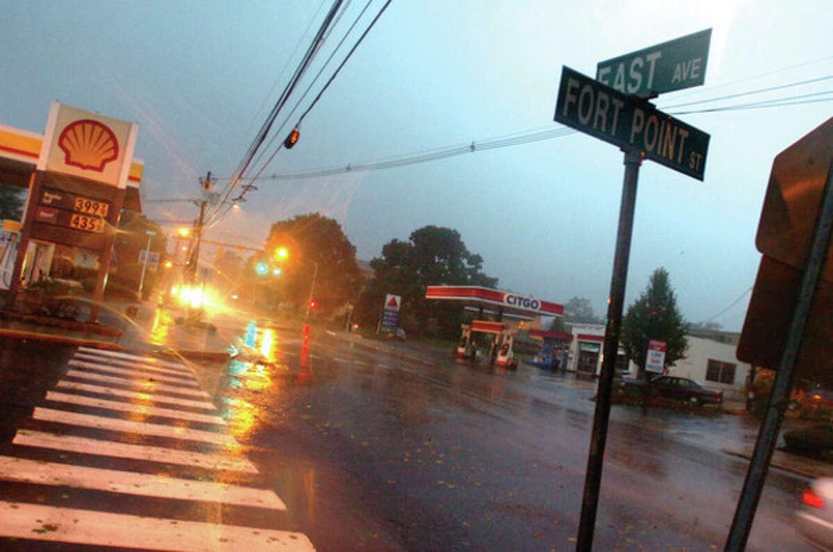 Hurrican Irene rolls into East Norwalk on Sunday morning. hour photo/matthew vinci