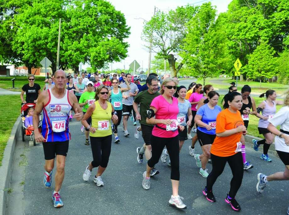 The Lightfoot Running Club & the City of Norwalk Parks and Recreation host the annual Mothers Day 10k race/walk Sunday morning. hour photo/Matthew Vinci