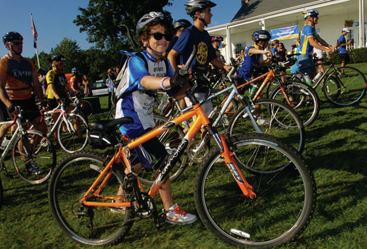 Ian Connelly of Westport, 13, lines up for The 2011 Connecticut Challenge Bike Ride at Fairfield County Hunt Club in Westport Saturday.