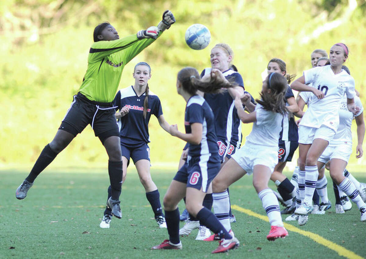 Girls Soccer -- Dean's last-minute goal lifts Wilton over McMahon