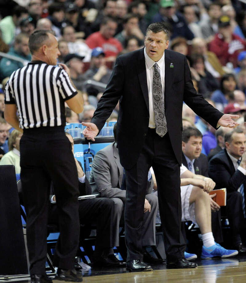 Creighton head coach Greg McDermott reacts to a call during the first half of a second-round game against Cincinnati during the NCAA college basketball tournament, Friday, March 22, 2013, in Philadelphia. (AP Photo/Michael Perez) / FR168006 AP