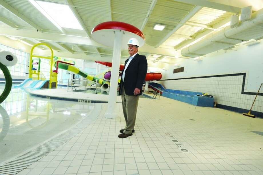 Architect James G. Rogers in the family aquatics room at the new Chelsea Piers. hour photo/Matthew Vinci