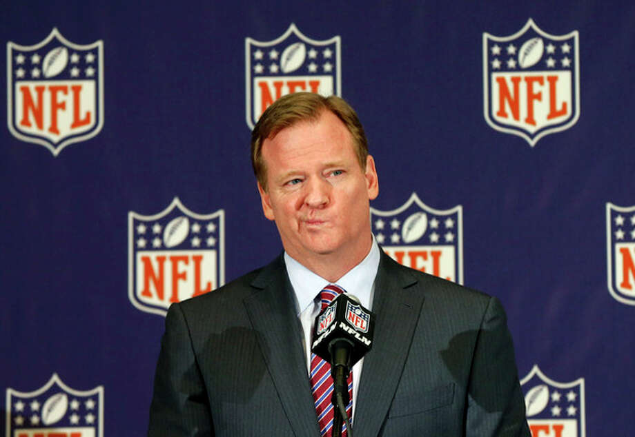 NFL football commissioner Roger Goodell takes questions during a news conference at the Arizona Biltmore, Monday, March 18, 2013, in Phoenix. (AP Photo/Matt York) / AP