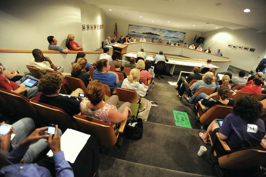The Common Council room at Norwalk City Hall filled to capacity on Thursday night. hour photo/Matthw Vinci