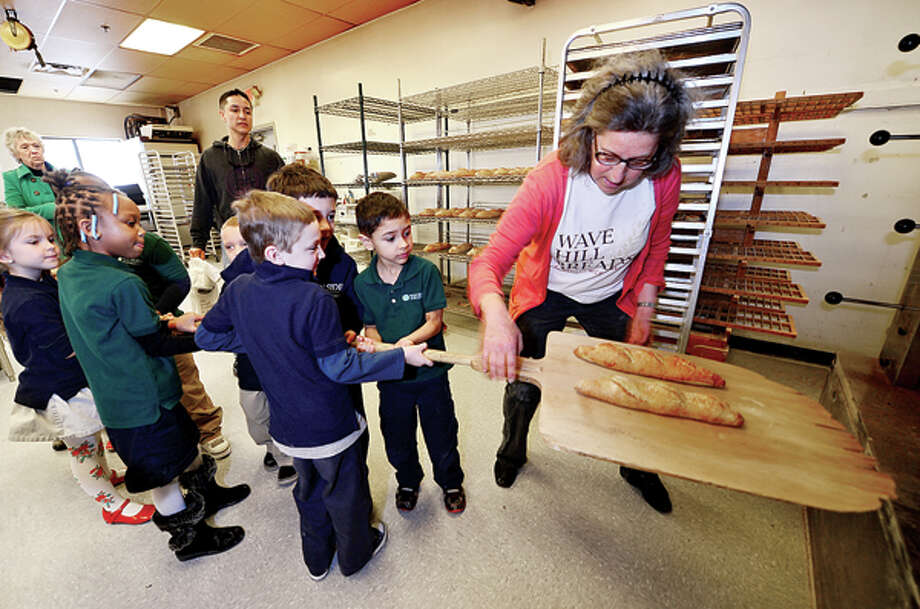 "Side by Side's kindergarten class visits the new Wave Hill Bakery and Café to learn how to bake bread from owner Magaret Sapir, as part of the classes ""bread"" study Wednesday morning. Hour photo / Erik Trautmann / (C)2013, The Hour Newspapers, all rights reserved"
