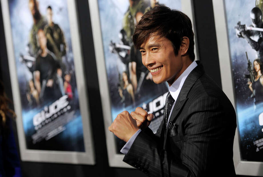 "South Korean actor Byung-hun Lee, a cast member in ""G.I. Joe: Retaliation,"" poses at the Los Angeles premiere of the film at the TCL Chinese Theatre on Thursday, March 28, 2013 in Los Angeles. (Photo by Chris Pizzello/Invision/AP) / Invision"