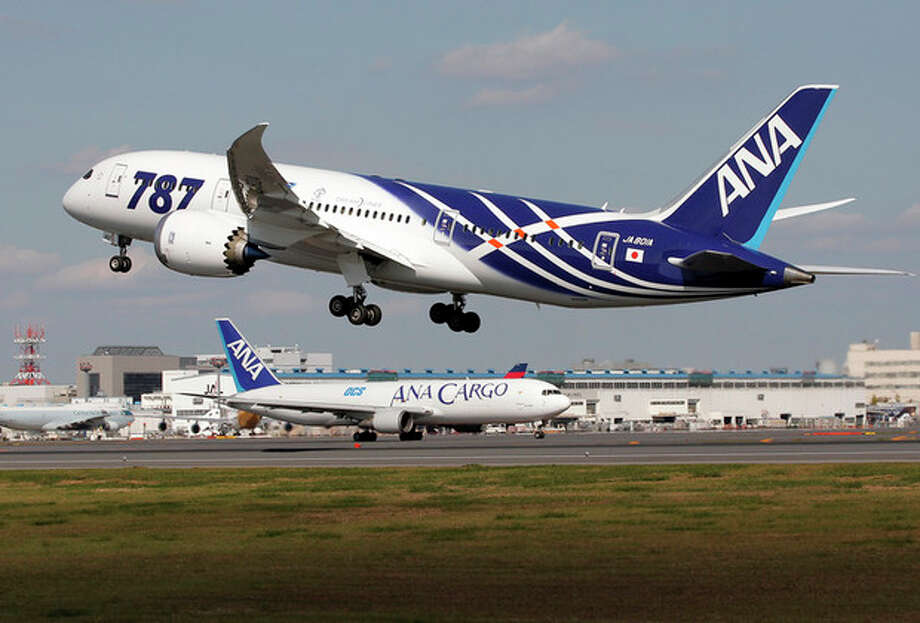 All Nippon Airways Boeing 787 takes off for the airplane's inaugural commercial flight to Hong Kong at Narita International Airport in Narita, east of Tokyo, Wednesday, Oct. 26, 2011. (AP Photo/Itsuo Inouye) / AP
