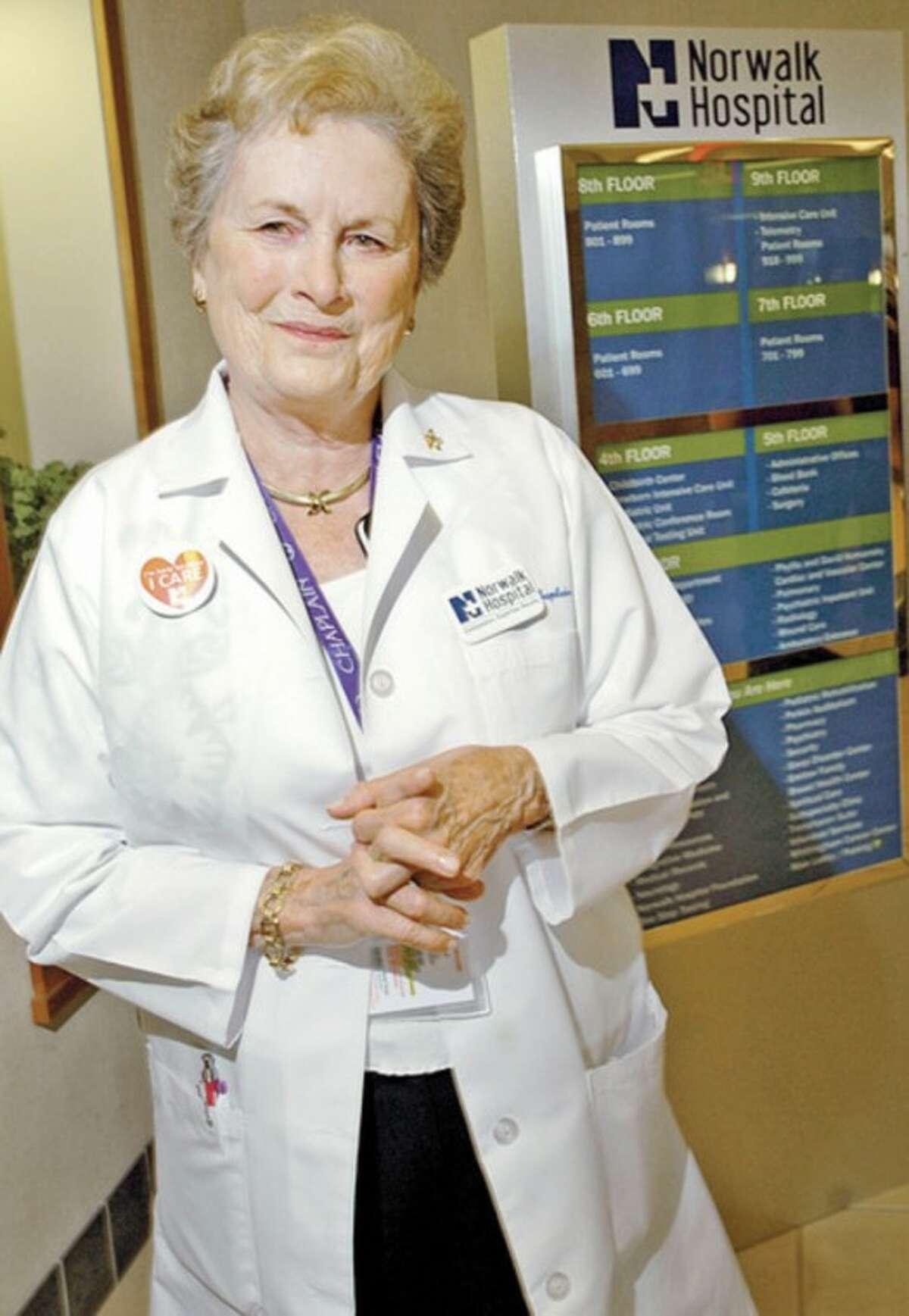 Hour photo / Erik Trautmann Norwalk Hospital chaplain and philanthropist Carol Bauer receives Connecticut Hospital Association 2012 Healthcare Hero Award.