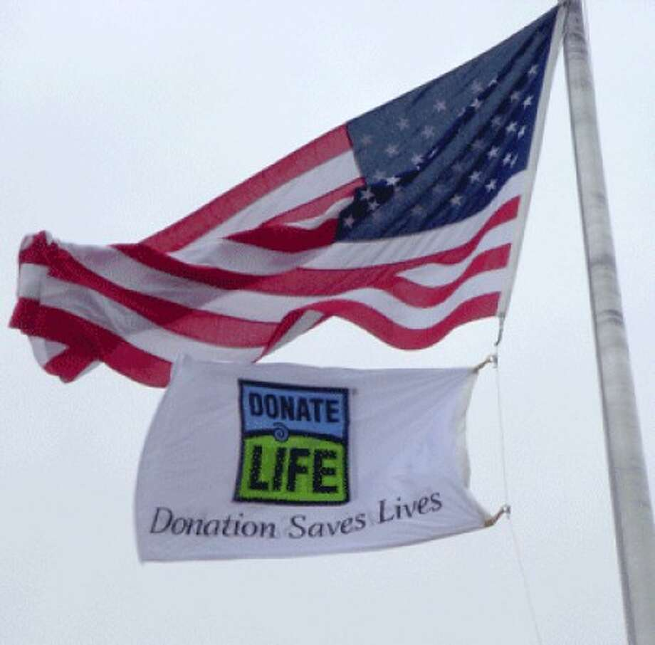 Wilton flag raising ceremony to recognize National Donate Life Month