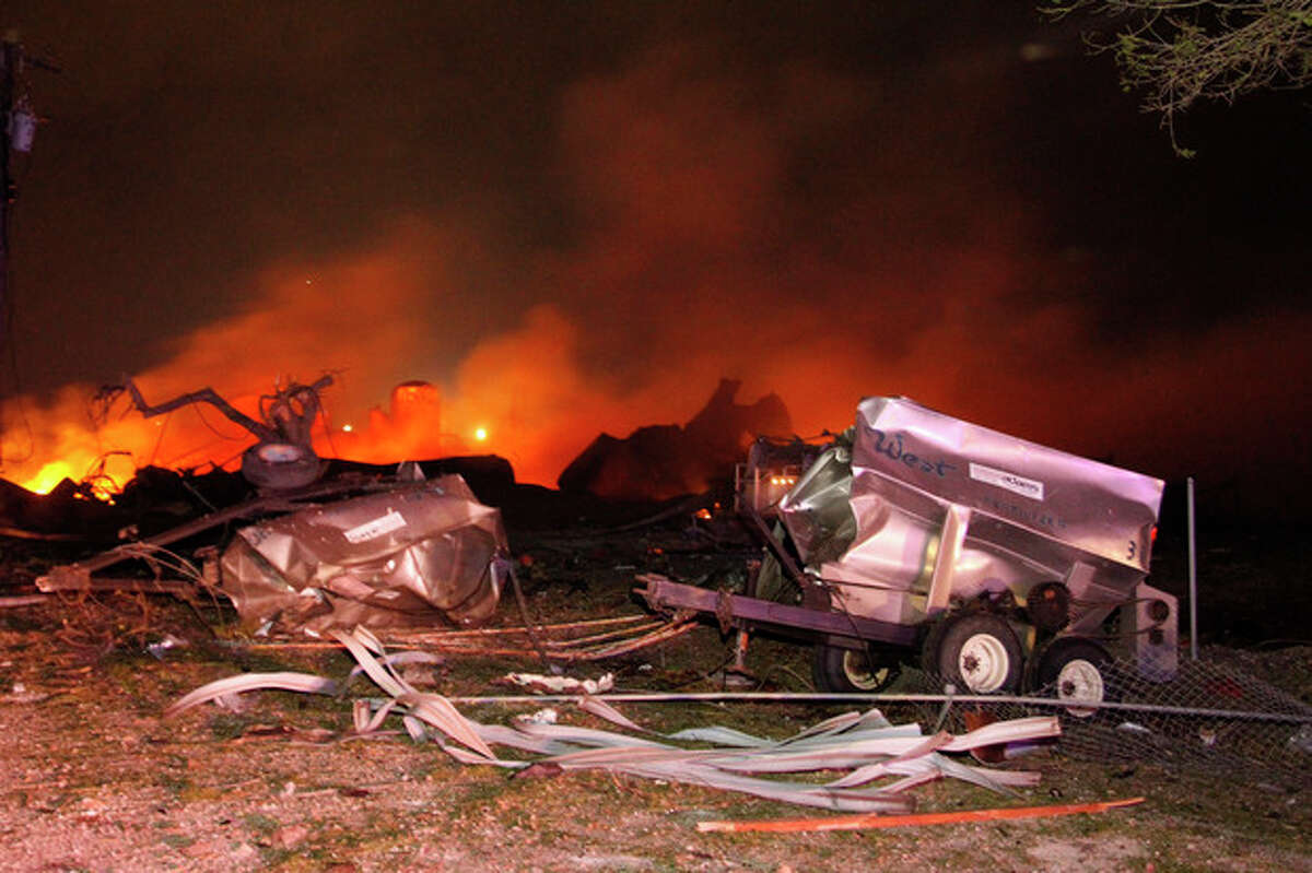 A fire burns at a fertilizer plant in West, Texas after an explosion Wednesday April 17, 2013 (AP Photo/Michael Ainsworth/The Dallas Morning News)