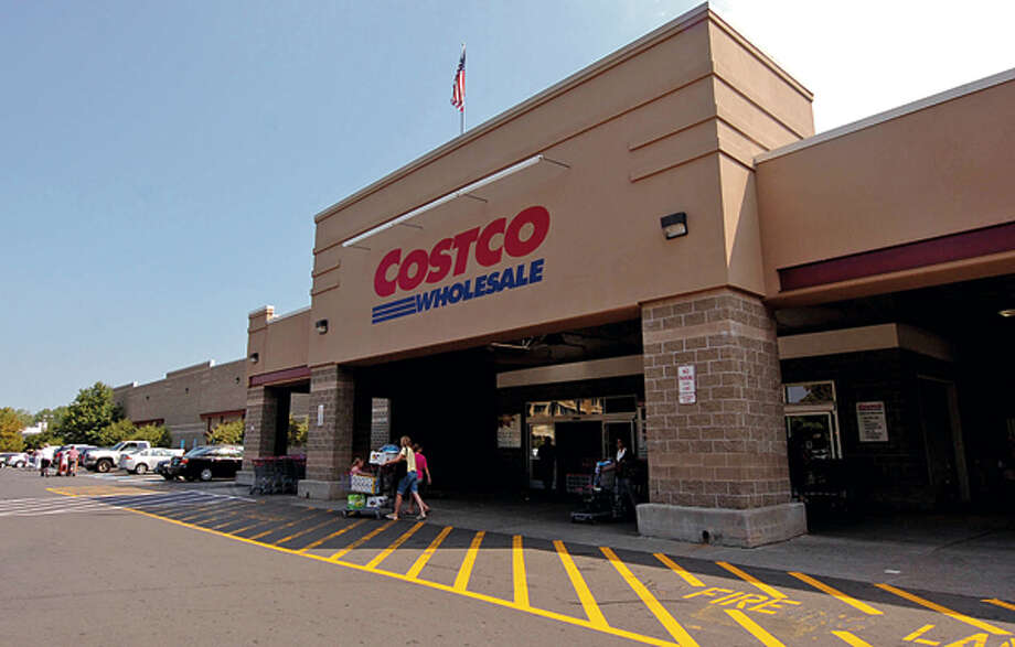 Big Box store on Connecticut Ave. The Zoning Commission's Zoning Committee is considering removing second-story requirement for firehouses and retail measuring greater than 80,000 square feet along Main, Westport and Connecticut avenues. Hour photo / Erik Trautmann / ©2012 The Hour Newspapers