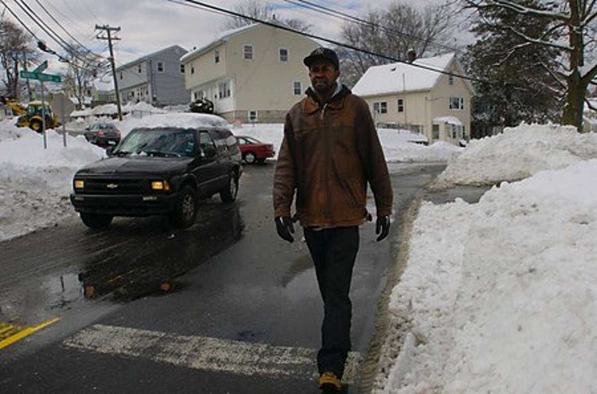 Despite sidewalk clearing ordinance, no fines have been issued