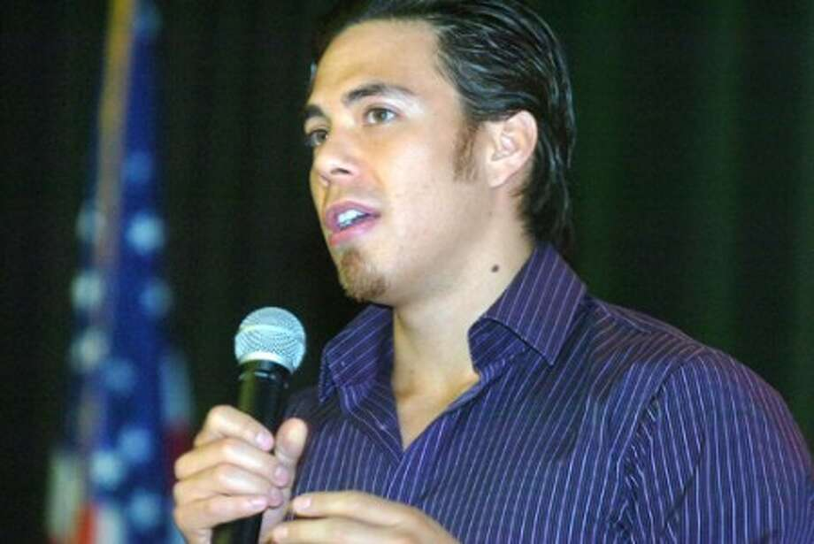 Photo/Alex von Kleydorff. Apolo Ohno speaks to the kids at Cloonan Middle school about alcohol abuse.