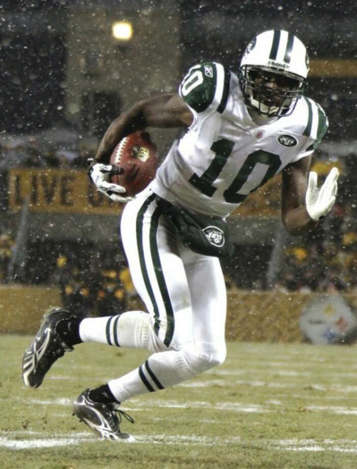 AP photo The Jets have re-signed receiver Santonio Holmes.