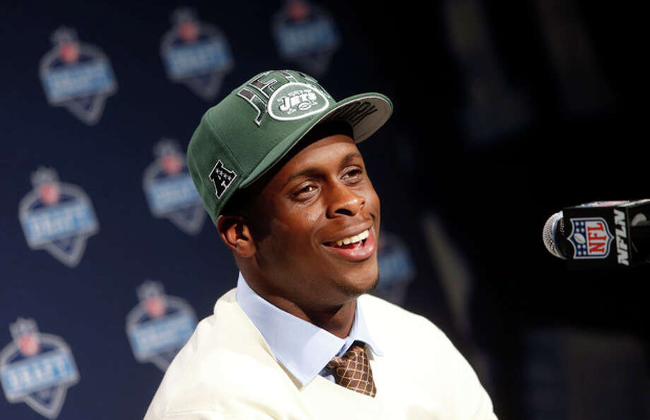 West Virginia's Geno Smith speaks during a news conference after being selected 39th overall by the New York Jets in the second round of the NFL football draft, Friday, April 26, 2013, at Radio City Music Hall in New York. (AP Photo/Jason DeCrow) / FR103966 AP