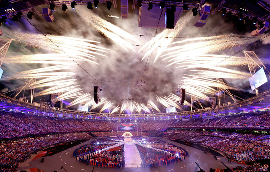 Fireworks explode during the Closing Ceremony at the 2012 Summer Olympics, Monday, Aug. 13, 2012, in London. (AP Photo/Alastair Grant) / AP