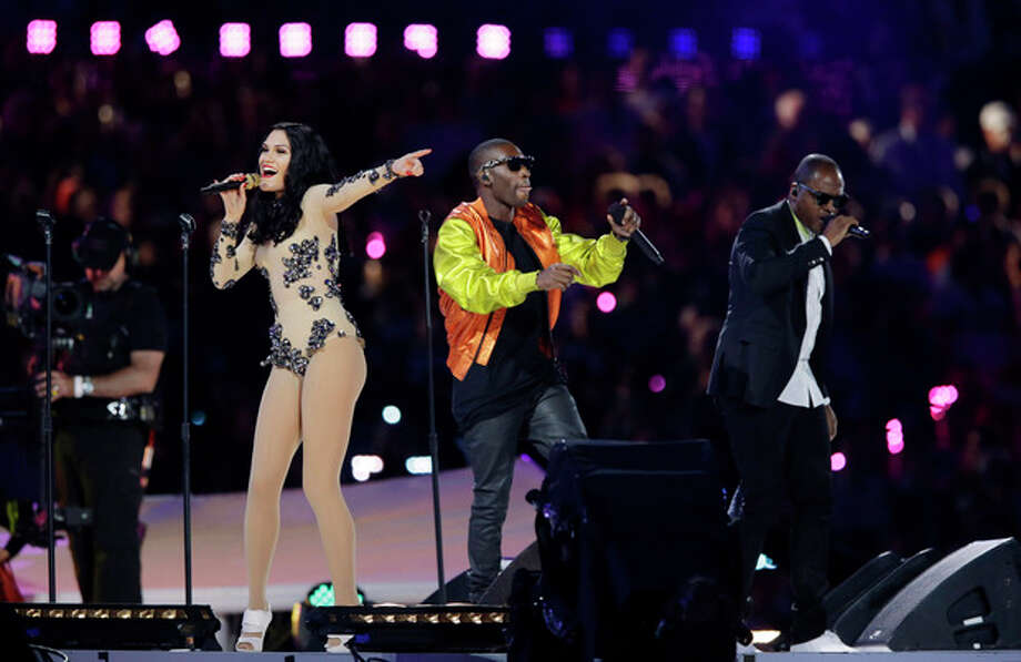 British singer Jessie J, second left, performs during the Closing Ceremony at the 2012 Summer Olympics, Sunday, Aug. 12, 2012, in London. (AP Photo/Matt Slocum) / AP