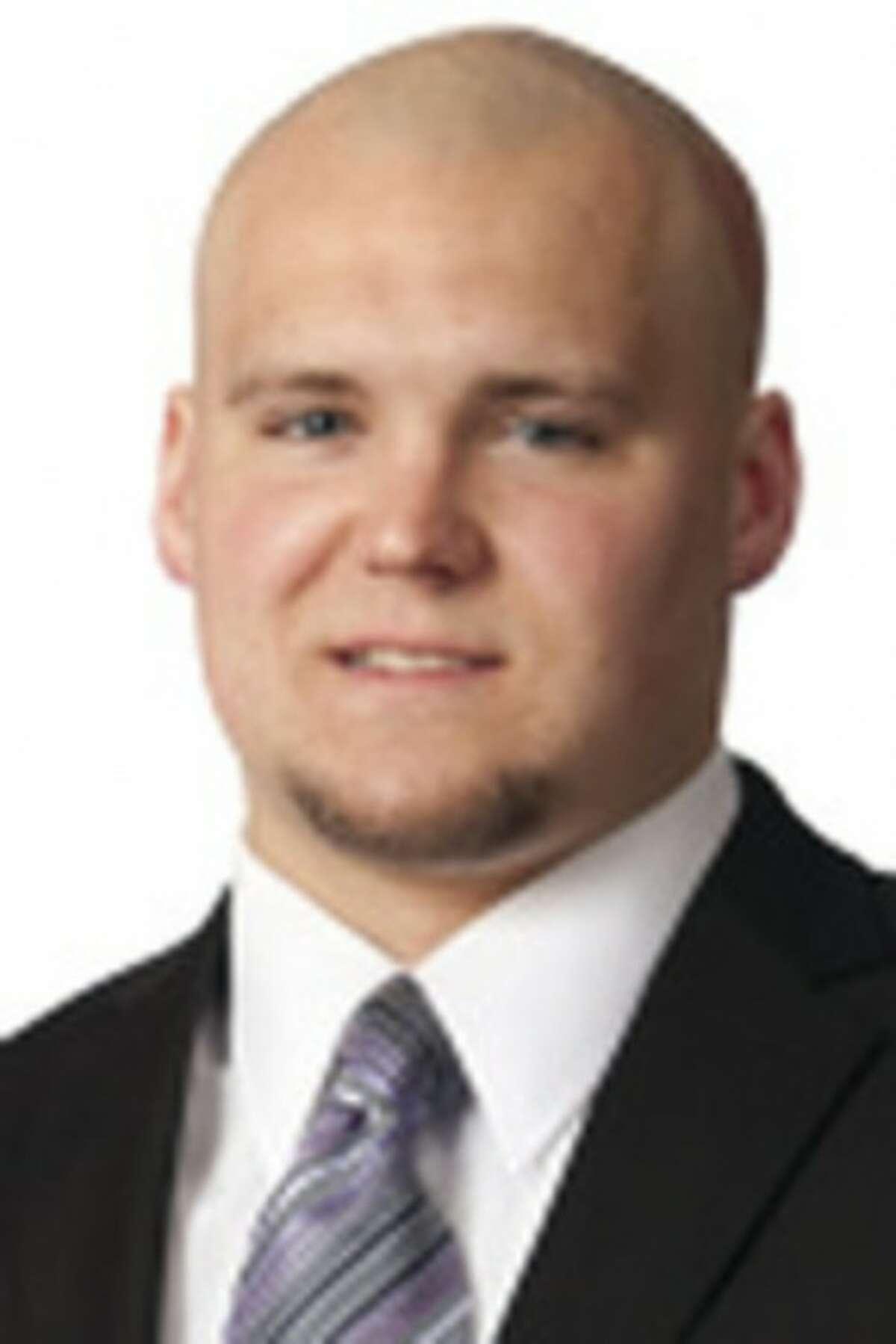 UConn Football Notebook -- Seymour's Osiecki leaves UConn football team