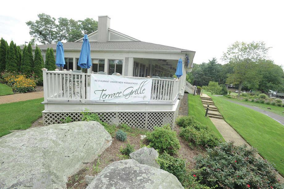 Hour photo / Matthew VinciThe new Terrace Grille at Oak Hills golf course in Norwalk.