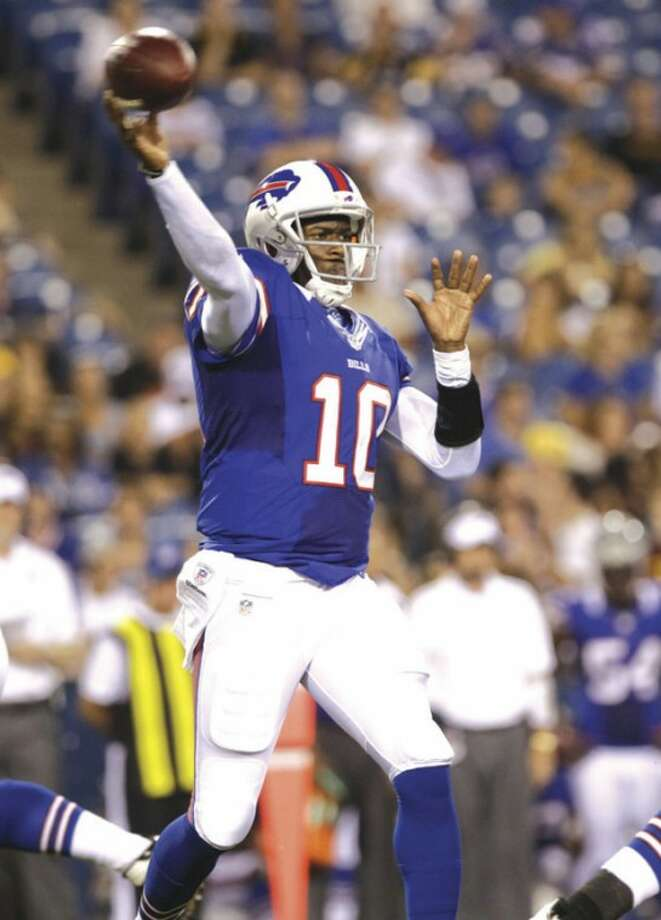 AP photoVince Young of the Buffalo throws against the Pittsburgh Steelers during an NFL preseason game Saturday. Young was released by the Bills Monday after they acquired quarterback Tavaris Jackson.
