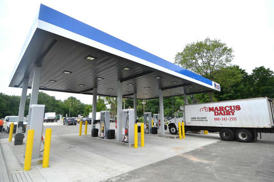 Hour Photo/Alex von Kleydorff Diesel Fueling area at the I95 Rest area Northbound in Darien