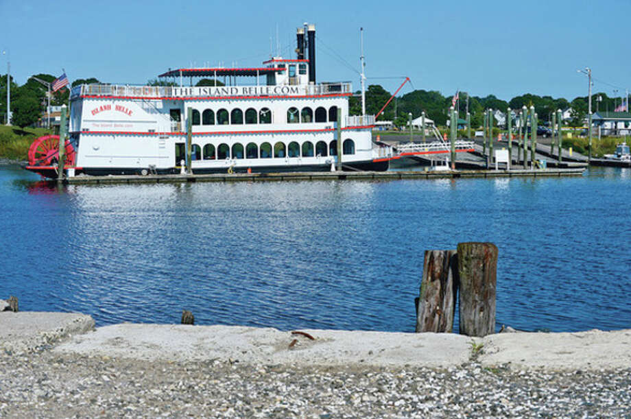 The Island Belle was supposed to vacate the Visotor's Dock at Veteran's Memorial Park in Norwalk by September 7th.Hour photo / Erik Trautmann / (C)2012, The Hour Newspapers, all rights reserved