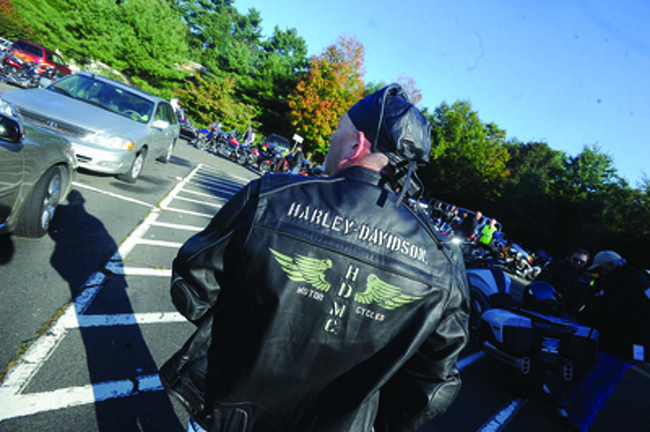 Thunder on the Sound bike ride in Stamford Sunday to raise money for the Brian Bill Foundation. Brian was a Navy Seal killed in Afghanistan. Hour photo/Matthew Vinci
