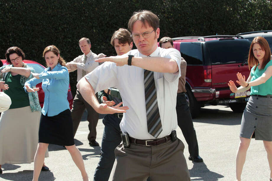 "This undated publicity photo released by NBC shows, from left, Phyllis Smith as Phyllis Vance, Jenna Fischer as Pam Beesly Halpert, Jake Lacy as Pete, Rainn Wilson as Dwight Schrute and Ellie Kemper as Erin Hannon in the ""Finale"" episode for ""The Office,"" Season 9, on NBC. (AP Photo/NBC, Chris Haston) / NBC"