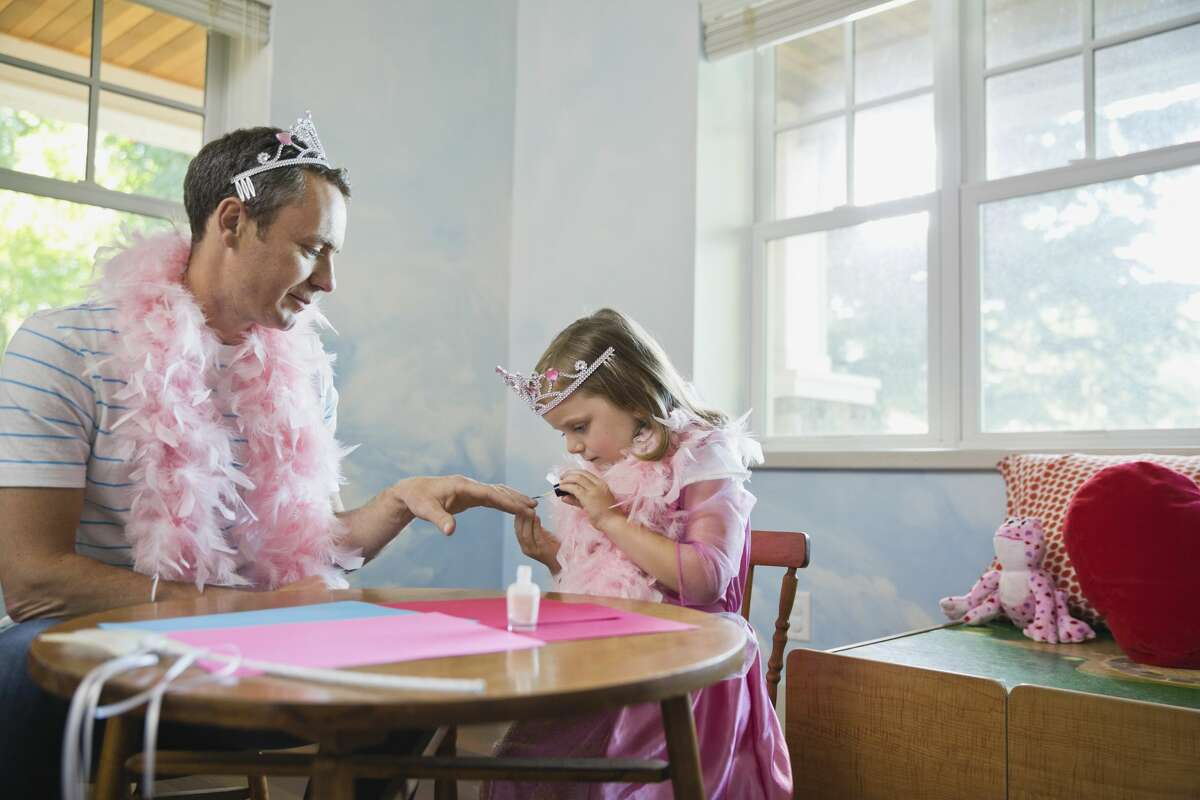 """Researchers are studying the use of """"volunteer dads"""" as mentors for children growing up fatherless in an attempt to help these kids develop social skills, manners and to get along in an ever changing world."""