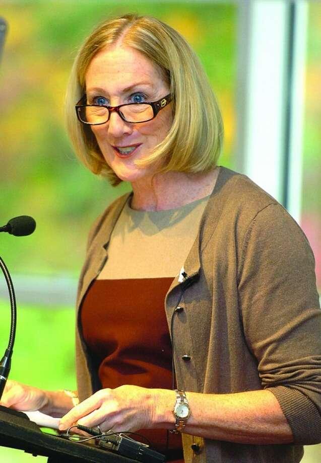 Hour Photo Alex von Kleydorff Former Xerox CEO Ann Mulcahy speaks to the Westport/Weston Chamber of Commerce at The Westport Inn.