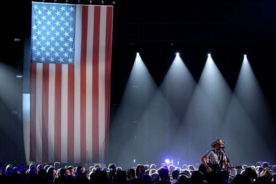 Jason Aldean performs during the opening of the 46th Annual Country Music Awards at the Bridgestone Arena on Thursday, Nov. 1, 2012, in Nashville, Tenn. (Photo by Wayde Payne/Invision/AP) / Invision