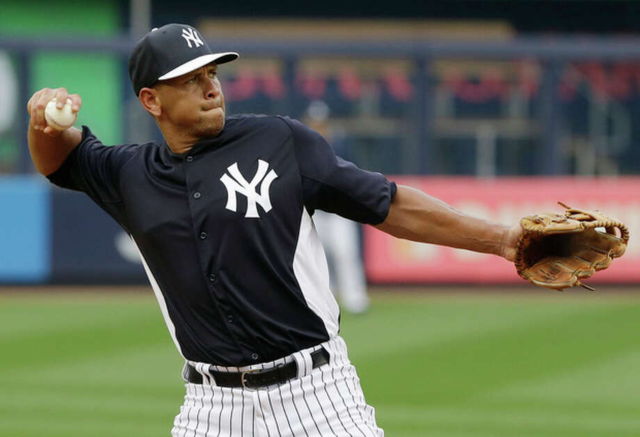 New York Yankees' Alex Rodriguez fields balls during batting practice before a baseball game against the Detroit Tigers on Friday, Aug. 9, 2013, in New York. (AP Photo/Frank Franklin II) / AP