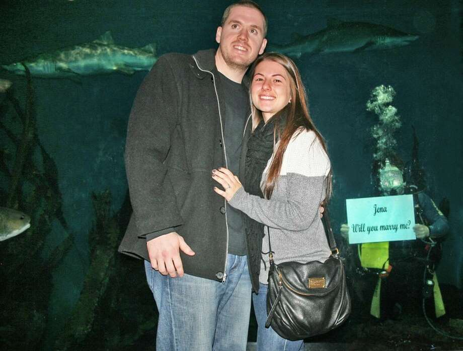 Couple gets engaged at Maritime Aquarium at Norwalk