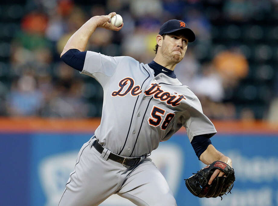 Detroit Tigers' Doug Fister delivers a pitch during the first inning of an interleauge baseball game against the New York Mets on Friday, Aug. 23, 2013, in New York. (AP Photo/Frank Franklin II) / AP
