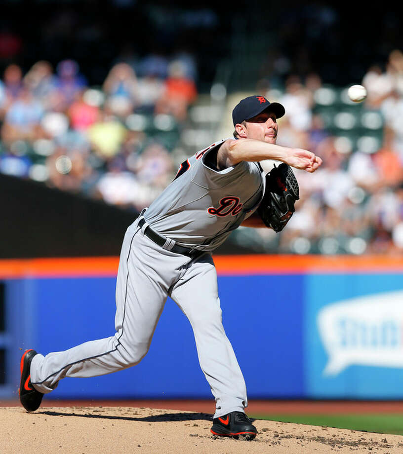 Detroit Tigers starting pitcher Max Scherzer throws in the first inning of an interleague baseball game against the New York Mets at Citi Field in New York, Saturday, Aug. 24,2013. (AP Photo/Paul J. Bereswill) ftq / FR168017 AP