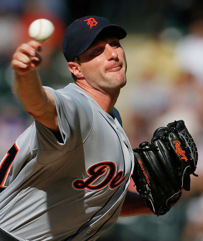 Detroit Tigers starting pitcher Max Scherzer throws in the first inning of an interleague baseball game against the New York Mets at Citi Field in New York, Saturday, Aug. 24, 2013. (AP Photo/Paul J. Bereswill) / FR168017 AP