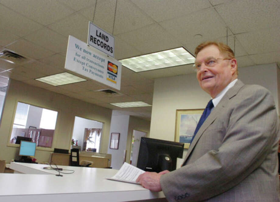 Walter Briggs files papers at Norwalk City Hall Town Clerk to run for Mayor on Tuesday/hour photo matthew vinci